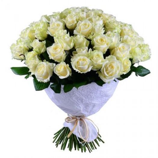 101 белая роза с оформлением