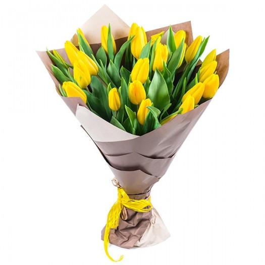 25 желтых тюльпанов в крафте