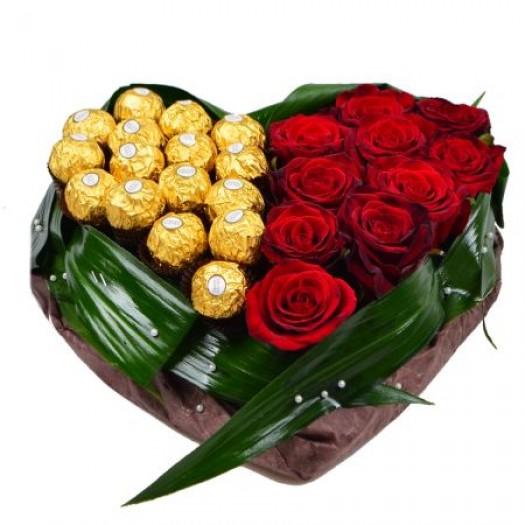 «Цветочное сердце с конфетами»